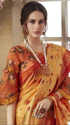 Blouse Back Neck Designs, Fancy Blouse Designs, Latest Blouse Designs, Saree Jacket Designs, Saree Blouse Patterns, Pattern Blouses For Sarees, Cotton Saree Blouse Designs, Lehenga Blouse, Churidar