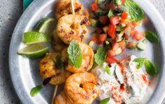 Tikkamausteseoksessa marinoidut jättikatkaravut Chapati, Dinner Ideas, Shrimp, Anna, Meat, Food, Essen, Supper Ideas, Meals