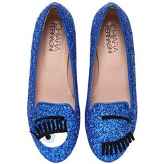 CHIARA FERRAGNI 10mm Flirting Glitter Loafers (13,465 DOP) ❤ liked on Polyvore featuring shoes, loafers, flats, footwear, scarpe, royal blue, patent leather shoes, patent flats, chiara ferragni shoes and glitter loafers