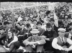 I could watch footage of 1910s & '20s baseball stadium crowds for hours, such style!