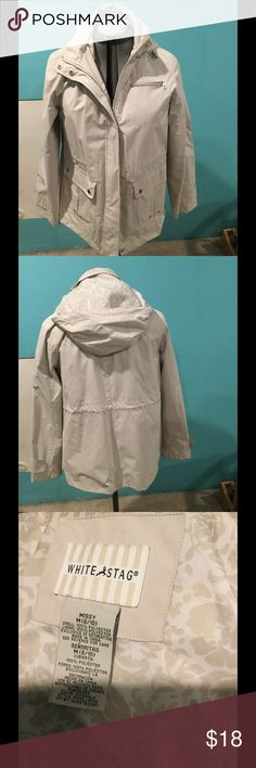 Rain/wind jacket in great condition, like new. Med This has been worn a few times, but is like new! In great shape! Medium (8/10). Just a nice light wind/rain jacket! White Stag Jackets & Coats Utility Jackets