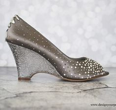 Add a gorgeous rhinstone starburst design to the toe and heel of your custom wedding shoes! (www.elliewren.com) #customweddingshoes #rhinstoneshoes #starburstrhinestoneshoes