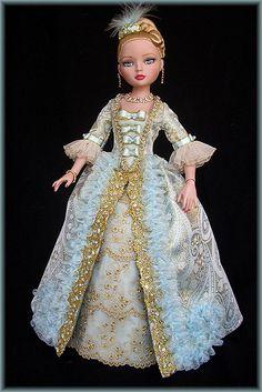 ellowyne dolls...that dress!  Beautiful!
