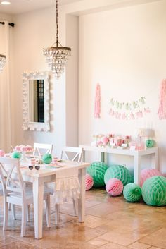 Love the diy tissue paper tassels on the sides of the banner and the honeycomb tissue balls / lanterns on the floor instead of hanging up! The TomKat Studio: Kate's Sweet Dreams Pajama Party… Baking Birthday Parties, Sleepover Party, Pajama Party, Slumber Parties, Kid Parties, Party Fiesta, Festa Party, Diy Party, Flamingo Party