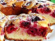 Фото к рецепту: Быстрый «Вишневый пирог»