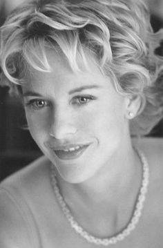Young Meg Ryan Black and White. is listed (or ranked) 9 on the list 18 Pictures of Young Meg Ryan Meg Ryan Photos, Meg Ryan Hairstyles, Actrices Hollywood, My Hairstyle, Tips Belleza, Famous Faces, Short Hair Cuts, American Actress, Her Hair