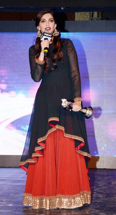 Sonam Kapoor in a Anand Kabra's asymmetrical tunic with a sharara