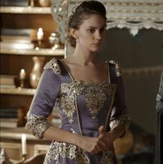 Farya's purple silk & gold lace dress, 2x12 - Magnificent Wardrobe