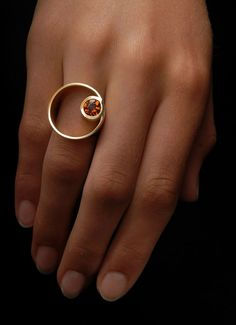 Raphael Steinbach - Yellow Gold Ring set with Citrine.