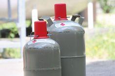 Flüssiggas aus der Flasche sorgt im Wohnmobil dafür, dass man Kochen, Heizen oder Kühlen kann. Gas ist sauber und ungefählich. Folgende 10 Dinge sollte aber jeder Camper darüber wissen und beachten.