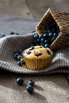 The perfect Blueberry Muffins Food Wallpaper, What's For Breakfast, Eat Dessert First, No Bake Treats, Blue Berry Muffins, Fun Cooking, Food Inspiration, Food Photography, Product Photography