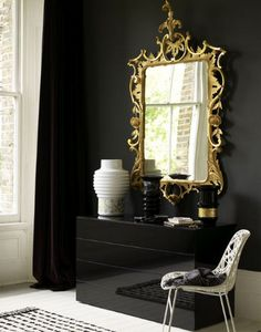 Gilt mirror with black walls (Photo: Chris Everard) Beautiful Mirrors, Dark Walls, Interiores Design, Living Area, Living Room, Interior Inspiration, Design Inspiration, Home Accessories, Interior Decorating