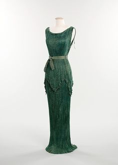 Peplos     Mariano Fortuny, 1930     The Metropolitan Museum of Art. Hmm, how do I get it out of the museum? ;)