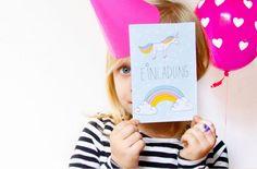 Einhorn-Einladung selber basteln: für den Kindergeburtstag oder die Einhorn Party - einfach unser Free Printable ausdrucken und als DIY mit den Kindern selber machen - hier der kostenlose Download FAMILICIOUS.de Cute Unicorn Invition for free!