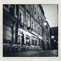 Au fait on est ouvert ce soir 30 avril et demain 1er mai ! . . . . . . . #cocktail #leMondeModerne #MondeModerne #lille #bar