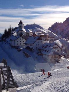 Monte Lussari Klosterkirche - Friaul - Italien Kirchen, Mount Everest, Mountains, Nature, Travel, Italy, Naturaleza, Viajes, Destinations