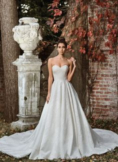 Justin Alexander - 9858 | Jaehee Bridal Atelier #ballgown #sweetheart #strapless #bridal #weddingdress