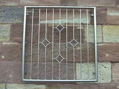 Window Grill Design Modern, House Window Design, House Gate Design, Steel Grill Design, Grill Door Design, Iron Window Grill, Door Grill, Welding Design, Main Gate Design