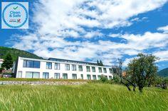 In Manteigas, 1,9 km von den Manteigas Hot Springs entfernt, bietet das Hotel da Fábrica Unterkünfte mit einer Bar, kostenfreie Privatparkplätze, eine... Hotels Portugal, Das Hotel, Bar, Mansions, House Styles, Home, Manor Houses, Villas, Ad Home