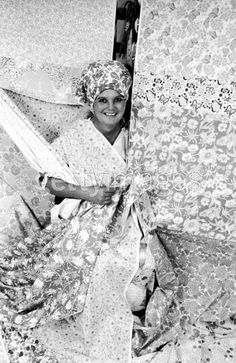 Lilly Pulitzer with fabric. Getty Images, Time & Life Photos, Photographer: Diana Walker