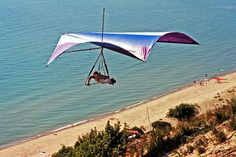 Hang gliding, manufactured wing, in flight, late 1970s by jimflix!, via Flickr