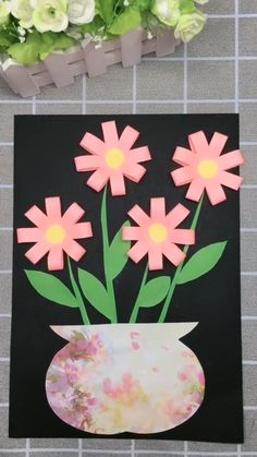 DIY Paper Flower Picture A simple tutorial to show you how to DIY a flower picture by using paper. Paper Crafts Origami, Paper Crafts For Kids, Diy Arts And Crafts, Preschool Crafts, Diy Paper, Fun Crafts, Origami Owl, Wood Crafts, Spring Arts And Crafts