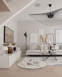 modern traditional decor - Home decor - Wohnzimmer Living Room Trends, Living Room Art, Living Room Inspiration, Interior Design Living Room, Home And Living, Living Room Designs, Modern Living, Small Living, Minimalist Living