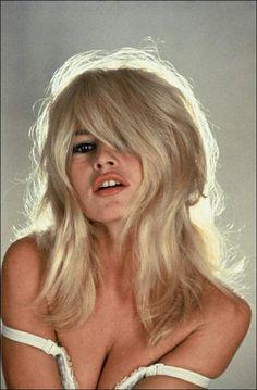 Comment savoir si le blond Bardot me va