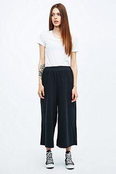 Cheap Monday - Pantalon de jogging court Change noir - Urban Outfitters