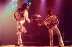 QUEEN | Freddie Mercury & Brian May                    •Photographer: Martyn Goddard