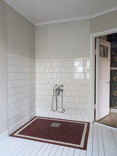 Brick Loft, Interior Decorating, Interior Design, Dream Bathrooms, Floor Design, Bath Mat, Bradford, Bathtub, Flooring