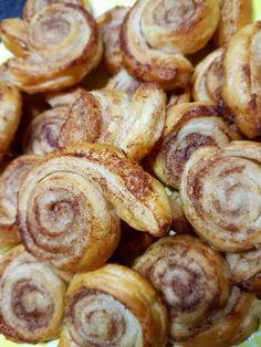 Zimtschnecken aus Blätterteig, ein sehr schönes Rezept aus der Kategorie Kuchen. Bewertungen: 149. Durchschnitt: Ø 4,4.