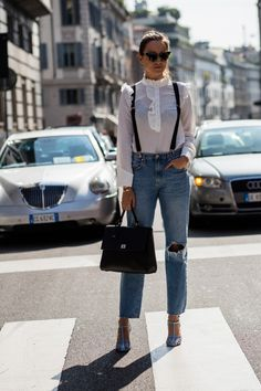 Never say never: XX tricky trends to try out now Victorian blouse with denim -Eight tricky trends to try out now (never say never! Nyfw Street Style, Casual Street Style, Street Style Looks, Street Style Women, Victorian Blouse, Ivy Style, Anna Dello Russo, Blake Lively, Giovanna Battaglia