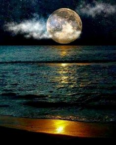 [This evokes an eerie, mysterious, lonely feeling.] Moon over the ocean - stunning! Shoot The Moon, Moon Shadow, Moon Pictures, Moon Pics, Moon Photography, Landscape Photography, Moon Magic, Moon Lovers, Super Moon