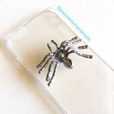 Wow!!. A spider on my phone case!!. 🕷💝 #clearcase #spider #phonecase #cover #smartphone
