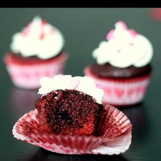 So cute!! Sugar Cooking: Mini Red Velvet Cupcakes- #valentines #valentinesday