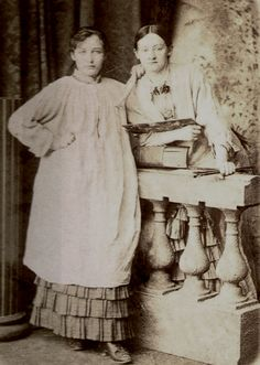 Kimberly Eve Musings of a Writer: Camille Claudel. Camille Claudel with friend and fellow artist Ghita Theuriet 1880 Auguste Rodin, Musée Rodin, Camille Claudel, Women In History, Art History, Nogent Sur Seine, French Sculptor, Photo Portrait, Artists And Models