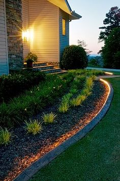 There are lots of affordable backyard landscaping ideas you can look into. For a backyard landscape upgrade, you don't need to spend so much cash to get an outdoor look that is easy and affordable. Landscape Edging, Garden Edging, Garden Borders, Vista Landscape, Backyard Lighting, Outdoor Lighting, Rope Lighting, Lighting Ideas, Pathway Lighting
