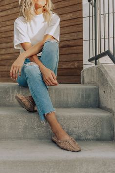 cute ripped jeans to stock on for the Fall - The Parrish Place