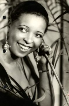 Young Ethel Waters | In 1939, Ethel Waters became the first black singer to appear on ...