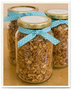 Homemade granola with free printable {teach appreciation}.  Includes a link to a great granola recipe too.