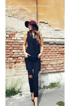 Burgundy love New Look Heels, Zara Hats, Personal Style, Burgundy, Street Style, Blouse, How To Wear, Fashion, Moda
