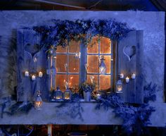 Cute & cosy little cottage….THEY'RE EXPECTING US……LOOK AT ALL THE LIGHTS IN THE WINDOW…………ccp