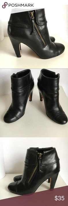 """Plenty by Tracy Reese Leather Side Zip Ankle Boot Plenty by Tracy Reese Leather Side Zip Ankle Boot size 38/8 Footbed measures approx 9.5"""". Pls make sure to use footbed measurement for accuracy. Gently preowned. Has few nicks mostly on the back right heel but otherwise the rest of the boot is in very good condition. Please review all photos.  👍OFFERS Welcome 🚫no trades pls Plenty by Tracy Reese Shoes Ankle Boots & Booties"""