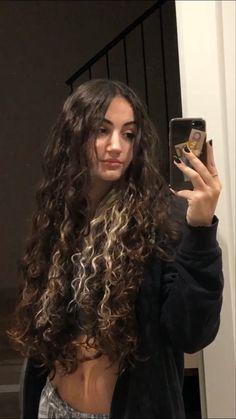 Dyed Curly Hair, Long Curly Hair, Wavy Hair, Curly Hair Styles, Hair Inspo, Hair Inspiration, Aesthetic Hair, Pretty Hairstyles, Hair Looks