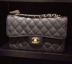 Réplica Bolsa Chanel 2.55 Classic Flap CAVIAR Linha Premium  TOP PREMIUM  Réplica de Bolsa TOP, compre no cartão em 12x ou à vista com desconto.   Acesse: www.replicasdebolsa.com.br