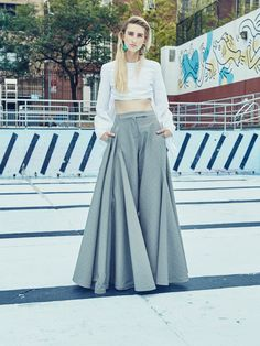 Rosie Assoulin Spring 2016 Ready-to-Wear Collection Photos - Vogue Look Fashion, Fashion Pants, Trendy Fashion, Fashion Show, Fashion Dresses, Fashion Design, Maxi Pants, Palazzo Pants, Pants For Women