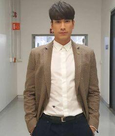 Suit Jacket, Breast, Handsome, Actors, Blazer, Suits, Couples, Jackets, Men