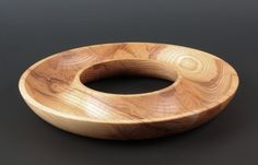 Idea piece has many possibilities. Wood Turned Bowls, Wood Bowls, Turned Wood, Wood Turning Projects, Wood Projects, Lathe Projects, Bryan Wood, Wooden Vase, Wooden Gifts