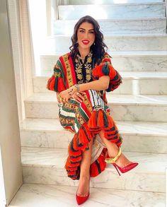 "discover tunisia 🇹🇳 on Instagram: ""#القمجة_المهدوية #اللباس_التقليدي_التونسي #الجبة_التونسية #التراث_التونسي #خلخال_بورطلين_التونسي"" Kimono Top, Sari, Traditional, Tops, Women, Fashion, Saree, Moda, Fashion Styles"